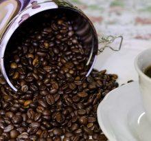 café en grains et tasse de café